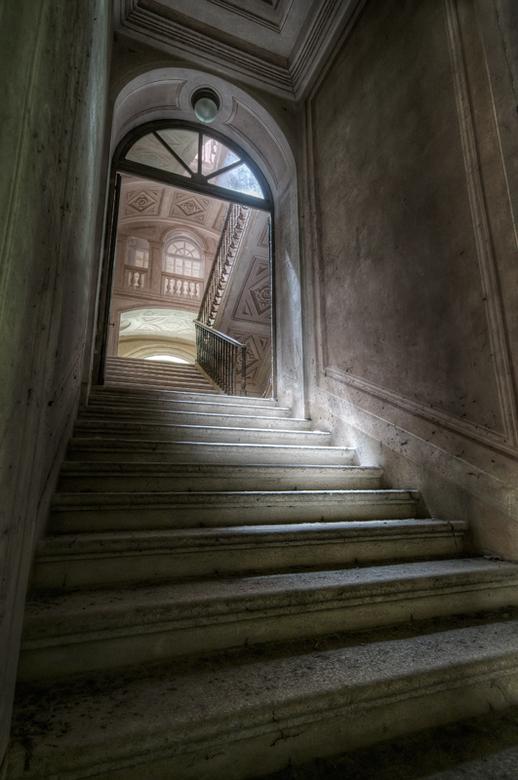 Castello di L. - Verlaten kasteel in Italië