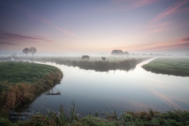 Herfst in de polder  - Een stukje polder bij mij aan het eind van de straat. Genieten van een rustige ochtend bij zonsopkomst.