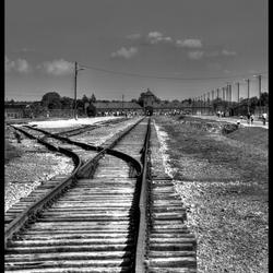 sporen in Birkenau_Auschwitz-Birkenau