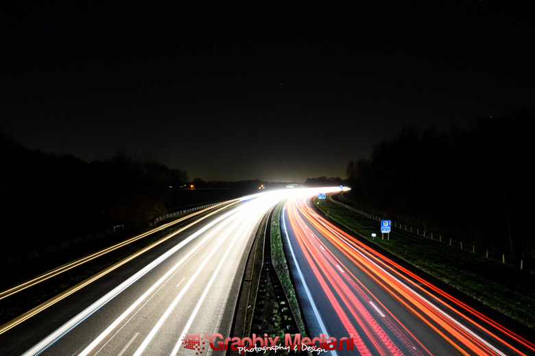 Lightning @ the freeway - Foto van de  A73, dichtbij Nijmegen.