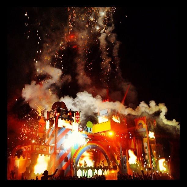 Closing Mainstage Lieff'11 - Vuurwerkshow tijdens de afsluiting van Lieff Festival Utrecht