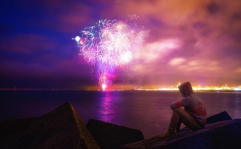 Vuurwerk Festival Scheveningen - 2016 - Een impressie van één van de 4 vuurwerk festivaldagen in Scheveningen. Heb meerdere foto's samengevoegd,