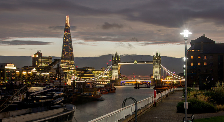 Londen - Hermitage Riverside Memorial Garden - The Shard - Tower Bridge - Londen - Hermitage Riverside Memorial Garden - The Shard - Tower Bridge