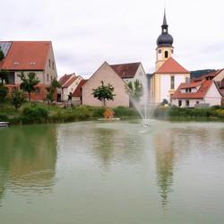P1450456 Dorpje Rodelsee  nabij Wurzburg  17juni 2017