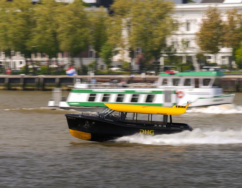 Taxi! - Watertaxi Rotterdam