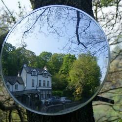 Spiegeltje, spiegeltje aan .......