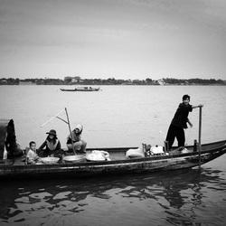 Vissersboot op de Mekon, Phnom Penh