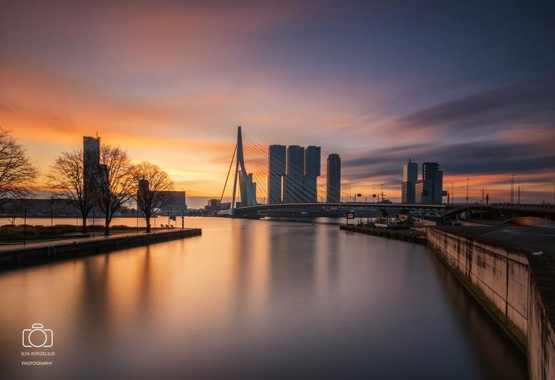 Good morning Rotterdam - Zonsopkomst in Rotterdam met LEE Big stopper + LEE ND 0,9 SG<br />