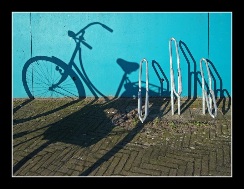 Fiets en fietsenrek.... -
