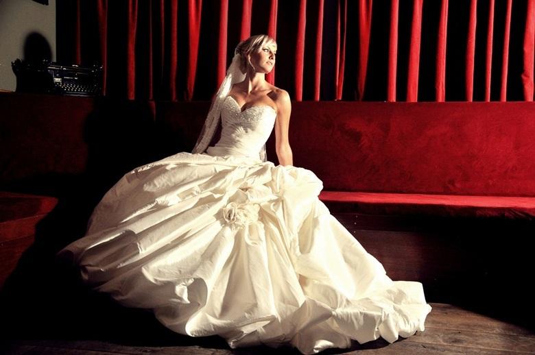 Klassiek  - een fotoshoot voor Stephanies bruidsboutique om de nieuwe collectie te showen