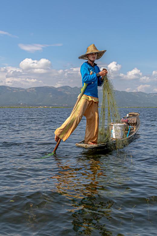 visser - op het inlemeer/myanmar.