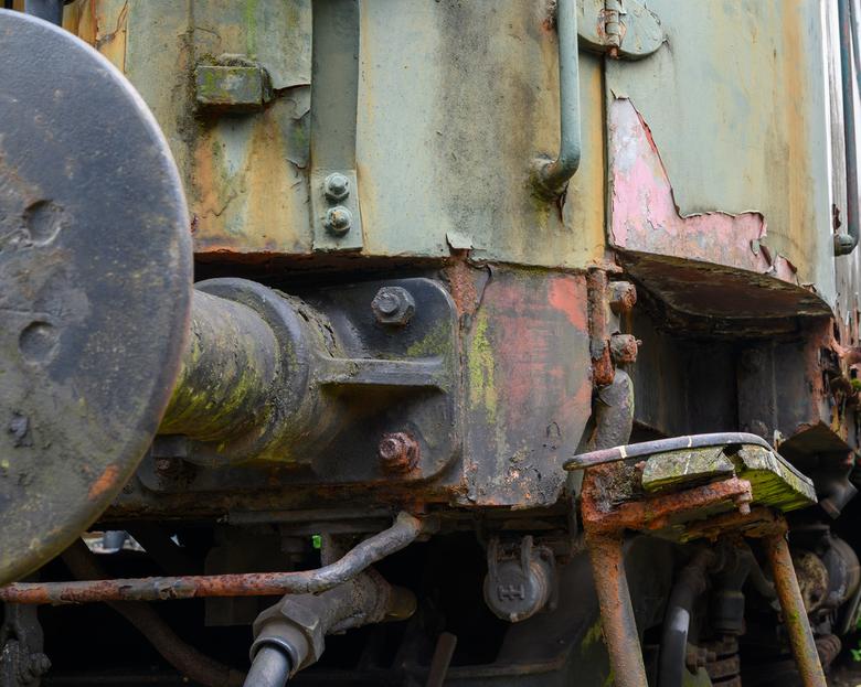Oud treinstel - Heeft reparatie nog zin....