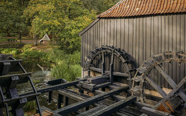 Oostendorper Watermolen (detail) - Detailopname van de molen.