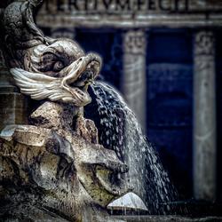 rome  beeld met fontijn