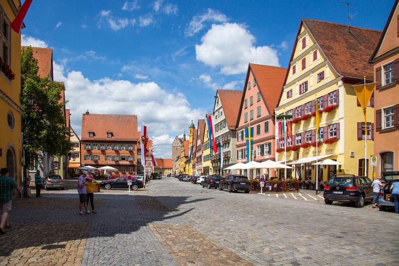Dinkelsbuhl - Wat een kleuren, we waren blij verrast toen we dit plaatsje in Beieren inreden.