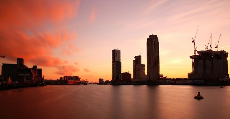 Rijnhaven sunset - Zonsondergang bij de Rijnhaven in Rotterdam.<br /> <br /> Techniek:<br /> F14 @ 75 sec.<br /> B+W ND110 grijsfilter (10 stops)<