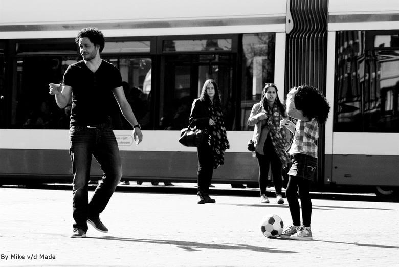 Straatbal - Foto genomen op het Leidseplein te Amsterdam