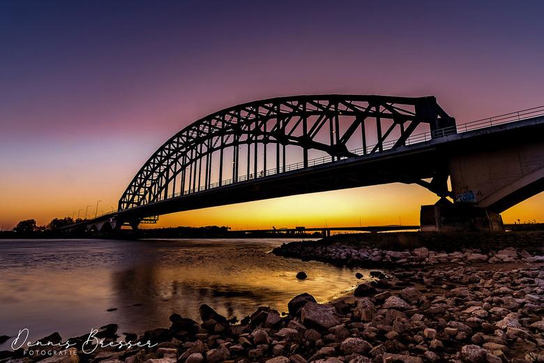 Zonsondergang bij de IJsselbrug Zwolle -