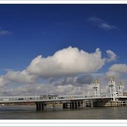 Stadsbrug over de IJssel bij Kampen - II