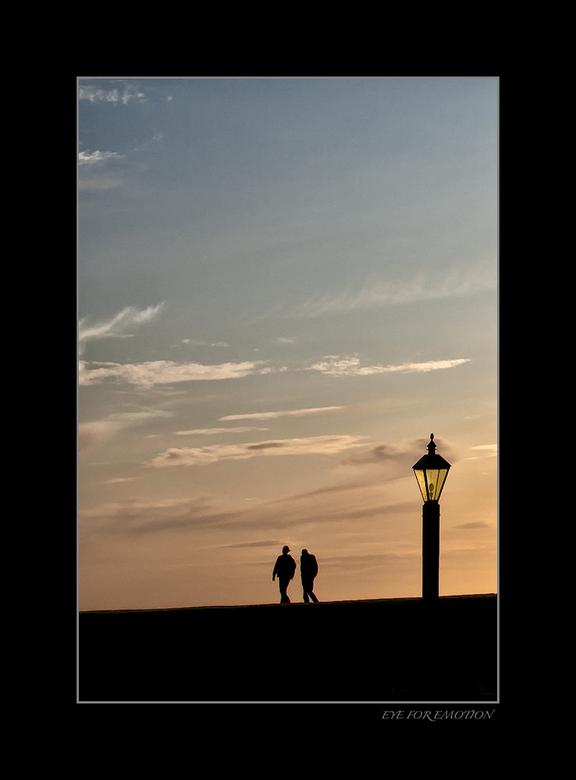 """Schemering - Nog een Frieslandfoto....heb er nog zat <img  src=""""/images/smileys/wilt.png""""/> maar dit is tot nu toe m&#039;n favoriet! Niet veel aan be"""