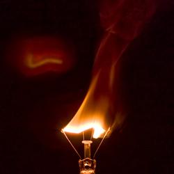 Brandende gloeilamp