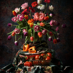 Stilleven met tulpen en tomaten