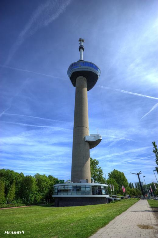 Euromast - HDR - Op een mooie zonnige dag ff lekker samen met me foto-maat plaatjes schieten en me nieuwe aanwinst testen.