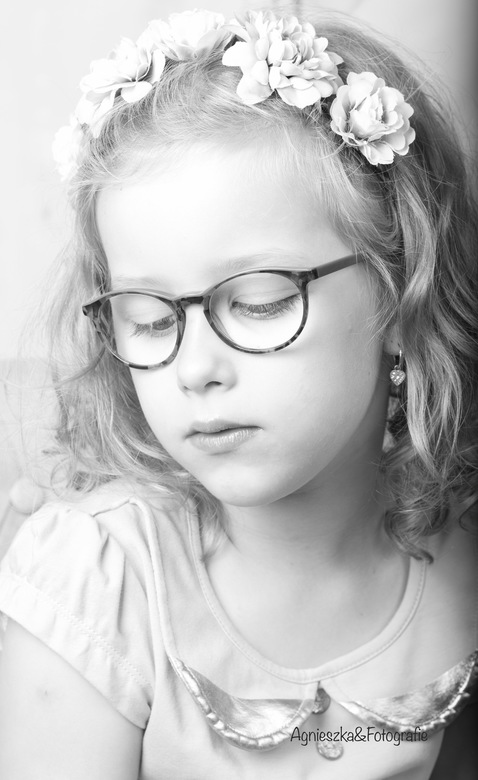 Meisje portret zwart-wit -