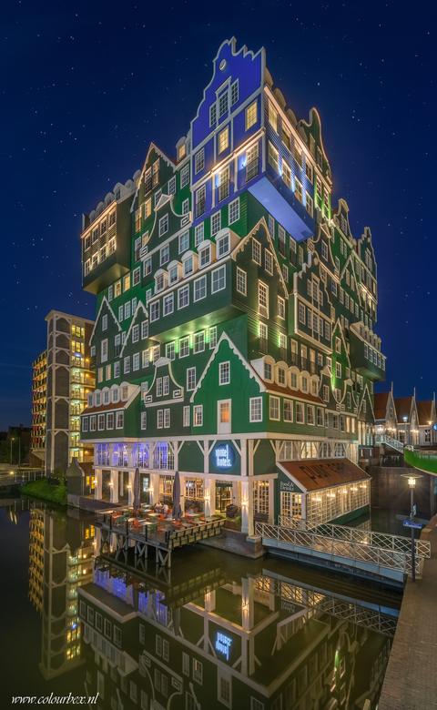 Inntel hotel in 3D?