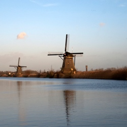 Uitzicht op de mooie molens van Kinderdijk
