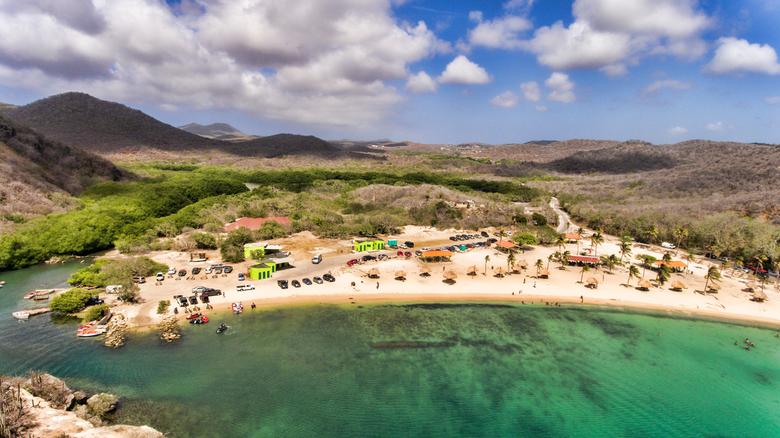 Santa Cruz Curaçao - Het geeft een normale zondag weer van de eilandbewoners. Varen,zwemmen,bbqen kortom Relaxen.