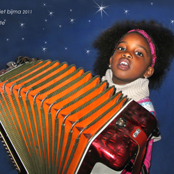 Brillante en haar accordeon.