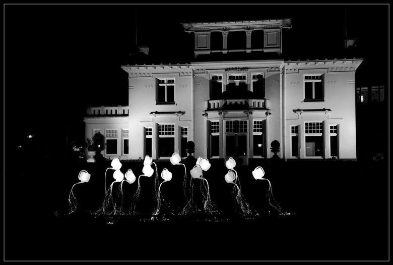 Guardian Angels @ Glow - De dansende gieters van het lichtfestival!