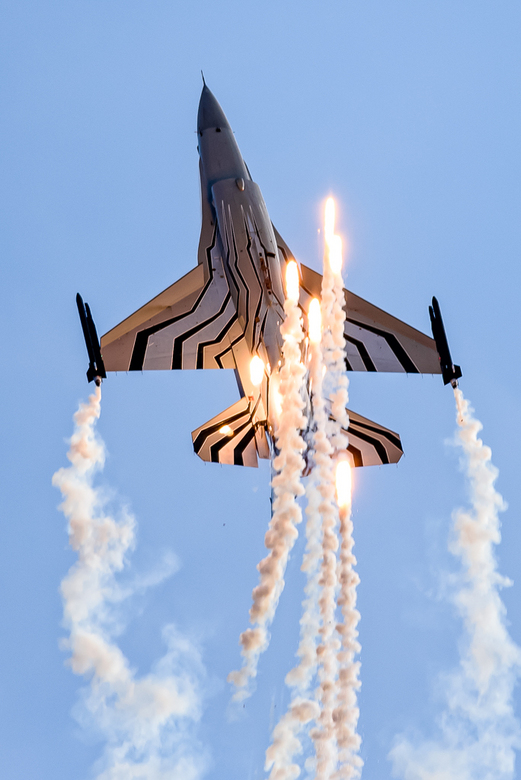 F16 Flares