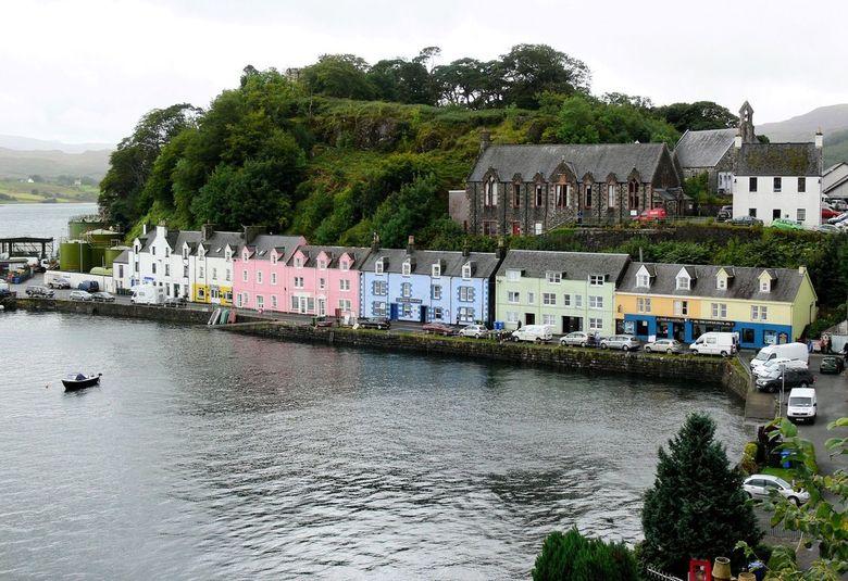 Schotland - Ook in schotland hebben ze de gekleurde huisjes net als In Noorwegen maar dan van steen.<br /> <br /> Gr Karel