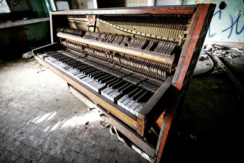Lost piano.  -