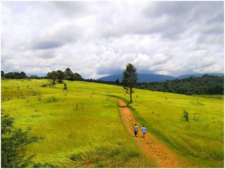 wandelen naar het einde - foto gemaakt op het mooie eiland koh panang thailand