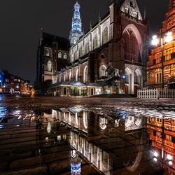 De grote kerk van Haarlem in de avonduurtjes