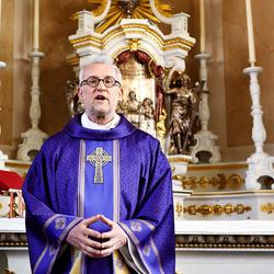 voorganger van het katholieke geloof