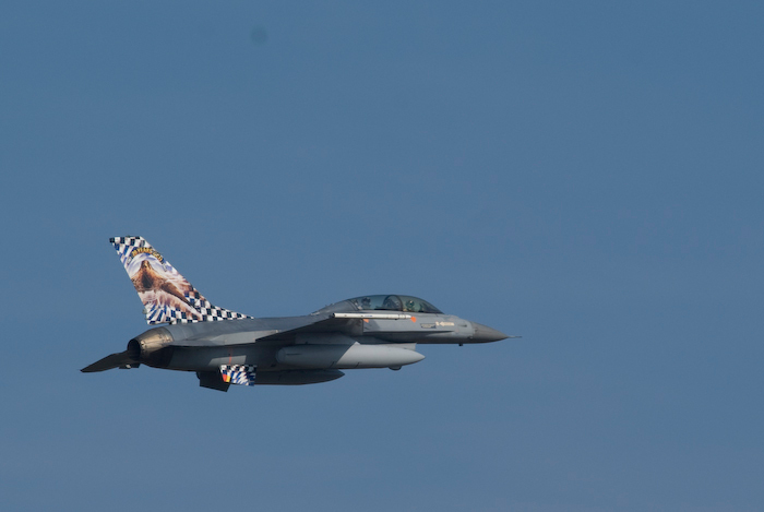 """F16 met Tail Art - F16 """"geschoten"""" tijdens de NTM 2009 op Kleine Brogel"""