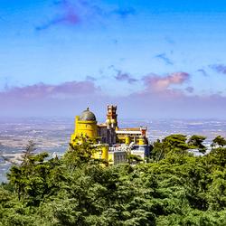 Kasteel op de Berg. Sintra in Portugal