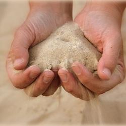 als zand door de vingers......