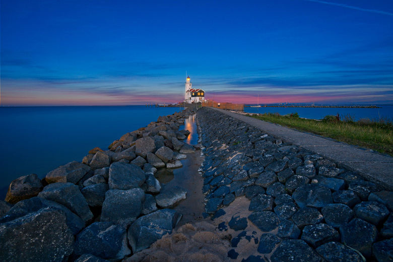Dutch Lighhouse - This is the famous lighthouse Paard van Marken, nearby Marken a village at the north of Amsterdam in Holland. The location is known