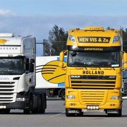 P1040514 TRUCK TIME   DAF XF  Hen Vis   SCANIA  R410  Postkogeko