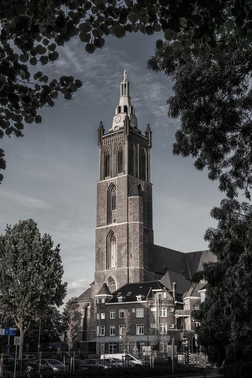Roermondse kathedraal - De Roermondse kathedraal &quot;St. Christoffel&quot;, in de volksmond &quot;Sjtuf&quot;. Omgezet naar net niet ZW.<br /> Is h
