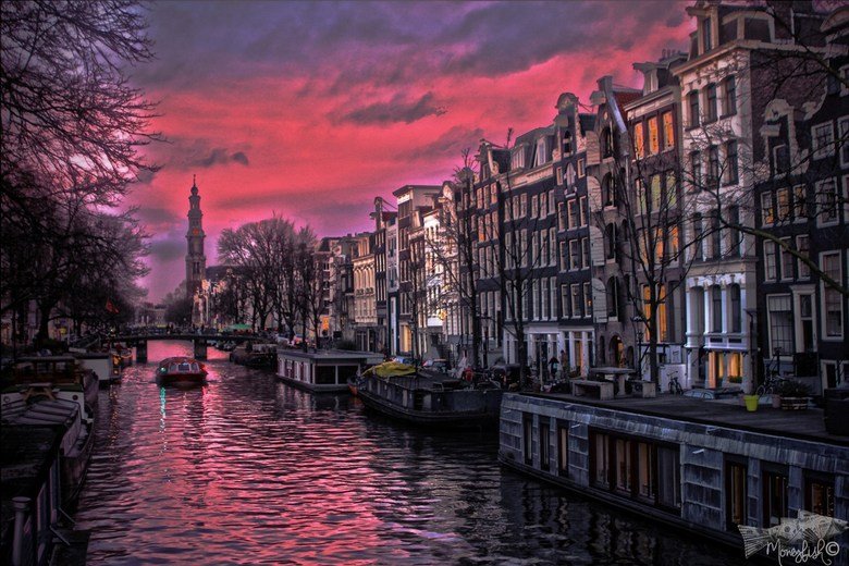 Aan de Amsterdamse grachten..