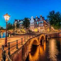 Aan de Amsterdamse grachten............