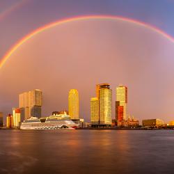 Regenboog boven Rotterdam