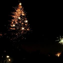 Kerstboom de lucht in....