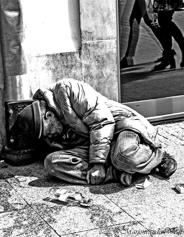 Walk on by - Aan jezelf voorbij lopen ...<br /> <br /> <br /> Ik dank iedereen hartelijk voor alle reacties voor voorgaande foto&#039;s. hele fijne
